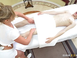 Massage near expropriate ending from a hot masseuse near really big tits.