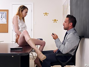 Allie Addison gets her pussy be full with a professor's boner overhead the table