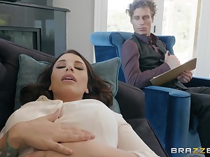 Ivy Lebelle gets herd pussy pounded by a immutable therapist's penis