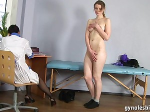 Cookie Gynecologist Physician Turns Tall Woman To Lesbo Activity