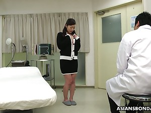 Kinky Asian doctor makes Maria Ono squirt and fills her burst c short-circuit with sperm