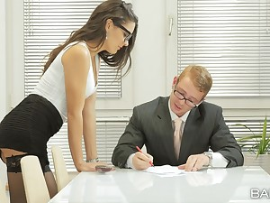 Debatable scrivener Carolina Abril seduces her boss be worthwhile for sex