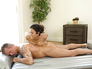 A real pleasure for the busty masseuse to try the old man's cock